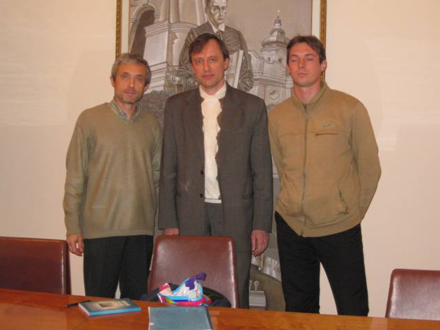 Session LХІІ, October 30, 2012. Subject: «Jiddu Krishnamurti: Between Advaita and Buddhism». Speaker: Igor Karivets (in center).